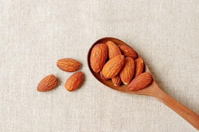 almond02-min