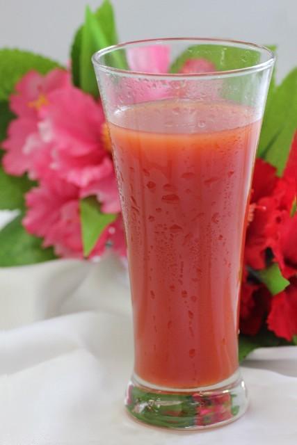 tomatojuice02-min