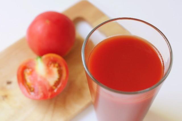 tomatojuice03-min